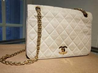 Vintage Chanel米色布質金鏈chain bag 22.5x15x7cm