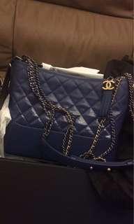 Chanel gabrielle 流浪包 中size