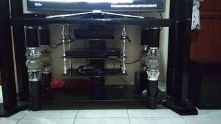 Meja  Tv + ada tiang bricket tv yg nempel