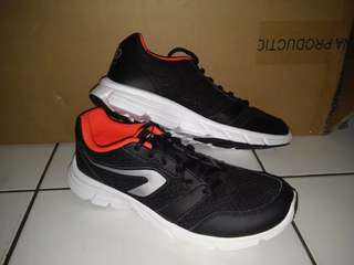 Sepatu Running Kalenji Run One Plus Black Red Original