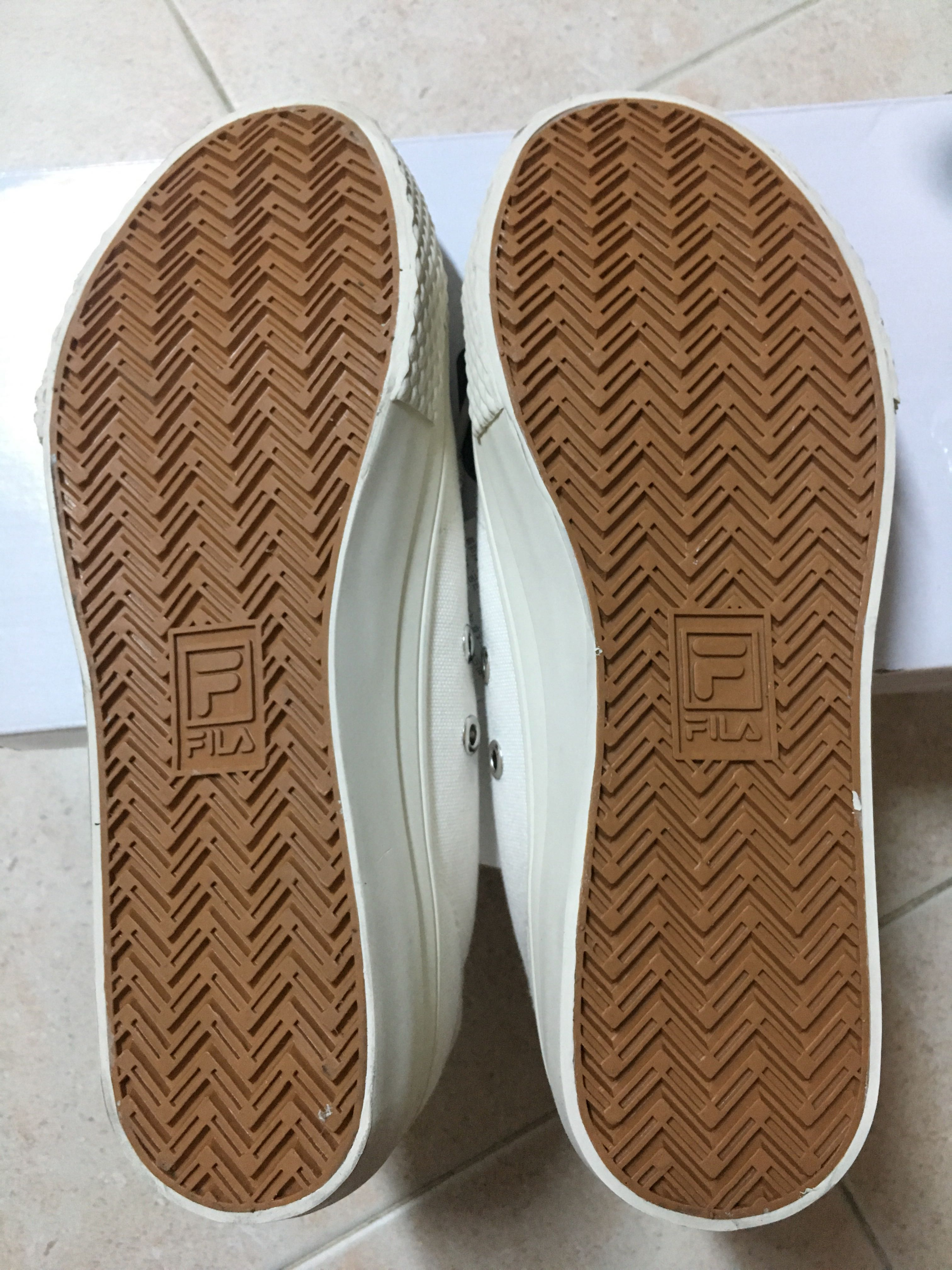 0d790761d35106 Fila classic kicks B (off white )