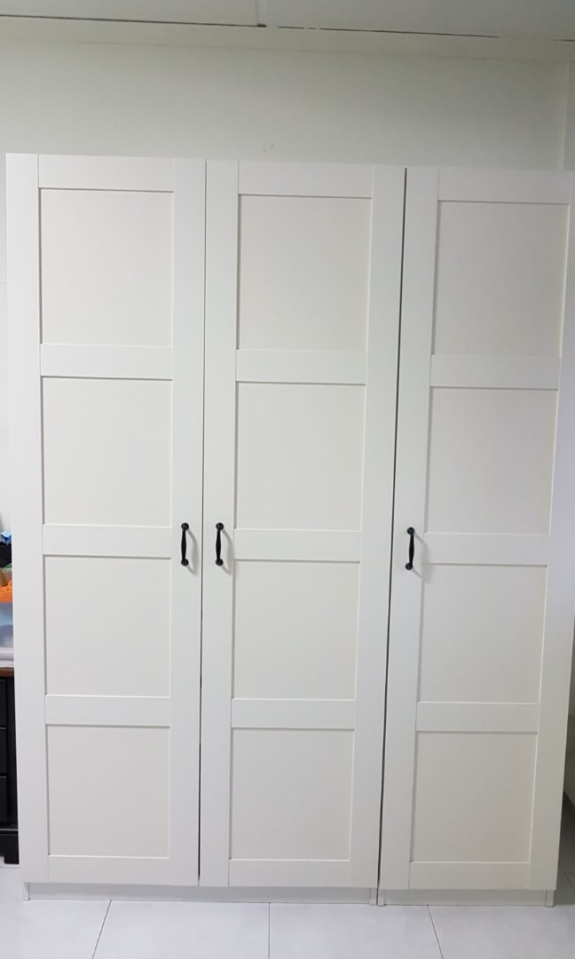 Ikea Pax 3 Door Wardrobe White