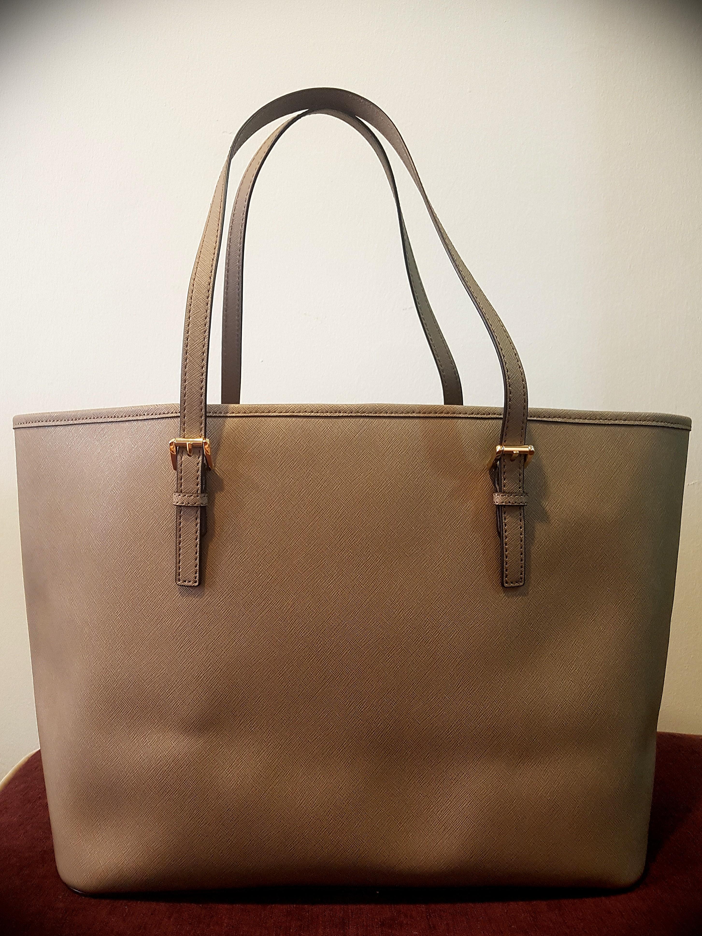 d565f2dff2fc Michael Kors Jet Set Travel Bag, Luxury, Bags & Wallets, Handbags on ...