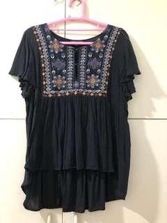 American Eagle Size small black blouse