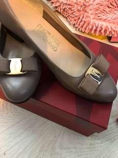 快清走價錢不議價🈹大減價🈹Ferragamo 👠 size 36.5C  高2cm 💯real 95%new 鞋底已打全長$2XX-