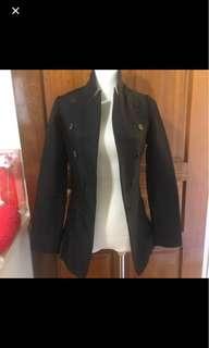 🚚 二手-韓國購入🇰🇷黑色設計款硬挺長版西裝外套❣S號