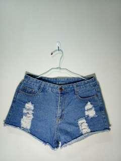 🚚 刷破短褲