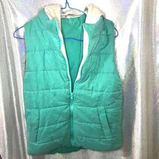 🚚 (二手)藍綠色鋪棉背心外套