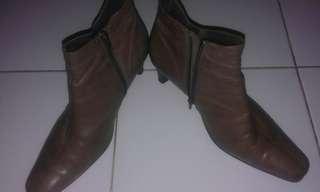 Boots Donatella