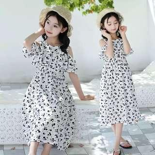 💥中大童裝-預購H032美《夏季韓版女童 露肩螞蟻洋裝沙灘裙》