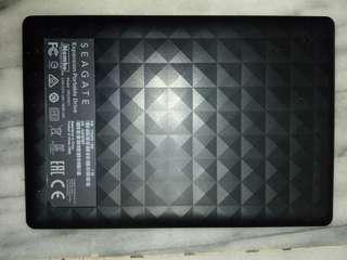 🚚 SEAGATE 1TB portable harddrive, USB 3 隨身硬碟