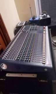SOUNDCRAFT MIXER 32 CHANNEL