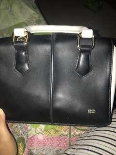 Nose handbag