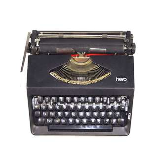 Hero 110 Black Typewriter