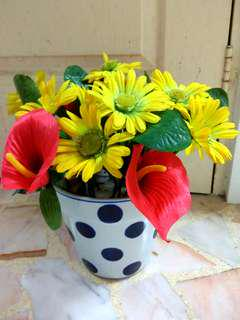 ⚽ Rare Soccer Vase With Beautiful Flowers🌷
