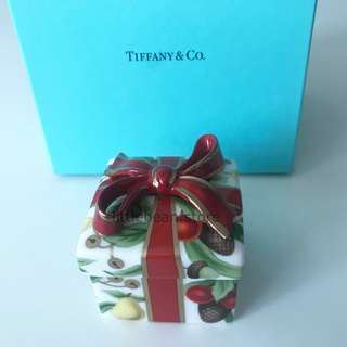 【Tiffany & Co.】Holiday Porcelain Christmas Gift Trinket Box