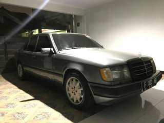 Mercedes-Benz 230E boxer W124 MT 1988