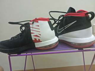 For Sale Nike Air Max Dominate Size 10 U.S. with free Nike head band / Brand New Condition , no box