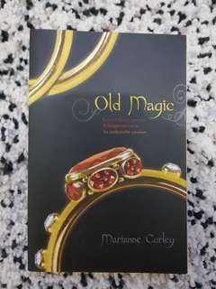 """NOVEL """"OLD MAGIC"""" (Harga bisa di negosiasi)"""