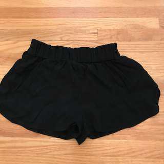 Aritzia black shorts