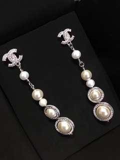 Chanel CC2018 日本珍珠 swarowasi水晶耳環