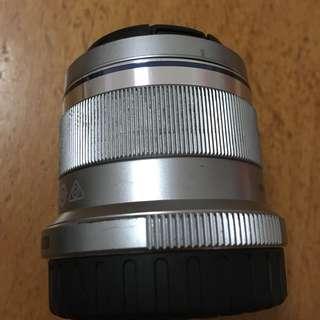 Olympus M.Zuiko Digital 45mm f1.8 Prime Lens (SILVER)