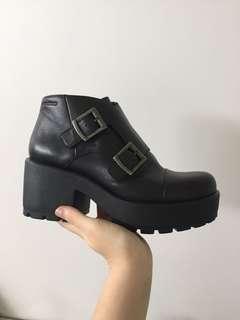 Vagabond Dioon Boots