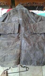Jaket kulit asli dan produk lama. Msi bagus 100 %.mulus