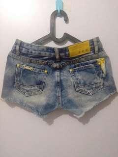 Hot pants jeans import beli di  bangkok