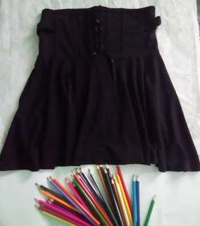 Corseted upper black skirt(PRICE is NEGOTIABLE)