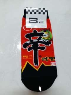 韓國襪子 辛泡麵 拉麵 立體耳朵人物中筒襪 韓國襪子 短襪 中筒襪 隱形襪 療癒佳 韓妞 穿搭
