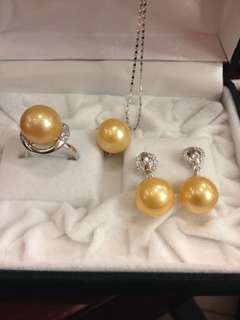 SOUTH SEA PEARLS Necklace, Earrings and Ring SET