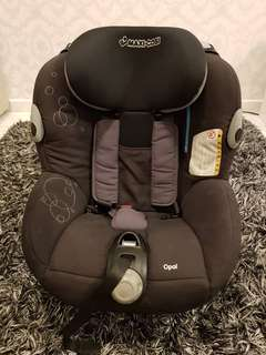 Preloved Maxi Cosi Opal