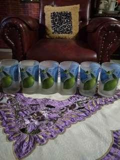 Jual gelas ada 6 pc bunga biru