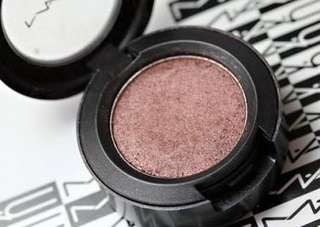 Mac eyeshadow sable colour