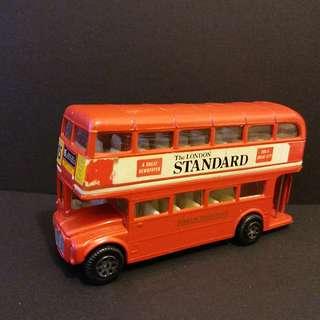 合金玩具巴士