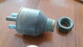 銅 殼  雷 木 插頭