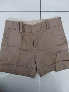 celana pendek arnesio