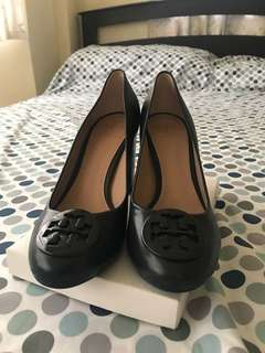 AUTHENTIC TORYBURCH HEELS 7 1/2
