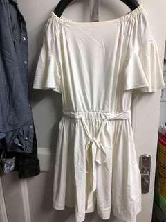 米白色 一字膊喇叭袖 仙女連身裙