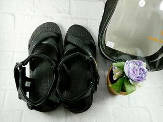 Sepatu sandal haji bapak hitam