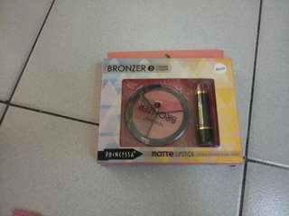 bronzer with matre lippie