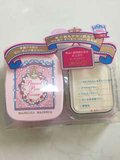 Majolica Majorca pressed powder
