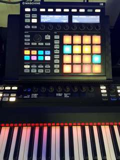 Native instrument - komplete control s88 + maschine mk2 without software