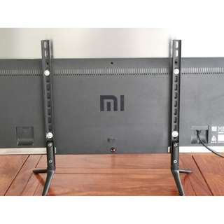 """TV Table Stand for TV sizes Up to 42"""" or 70"""" WhatsAPP 8498 4312 R85"""