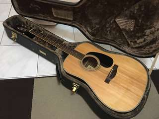 Semi Acoustic Guitar