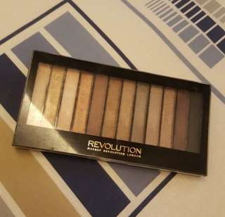 Make Up Revolution Eyeshadow Glam