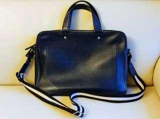 [原價1萬]Bally正版意大行皮海軍藍色Laptop袋-背面可掛在行李箱|連原裝袋|送Bally專用皮膏[於沙田專門店購買]