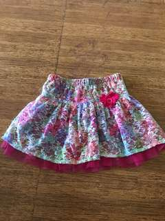 Place floral pink skirt