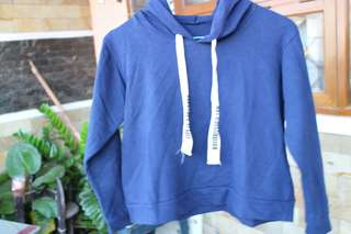 sweater hoodie crop top biru dongker